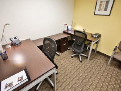 N W Briarcliff Pkwy Office Space - Kansas City