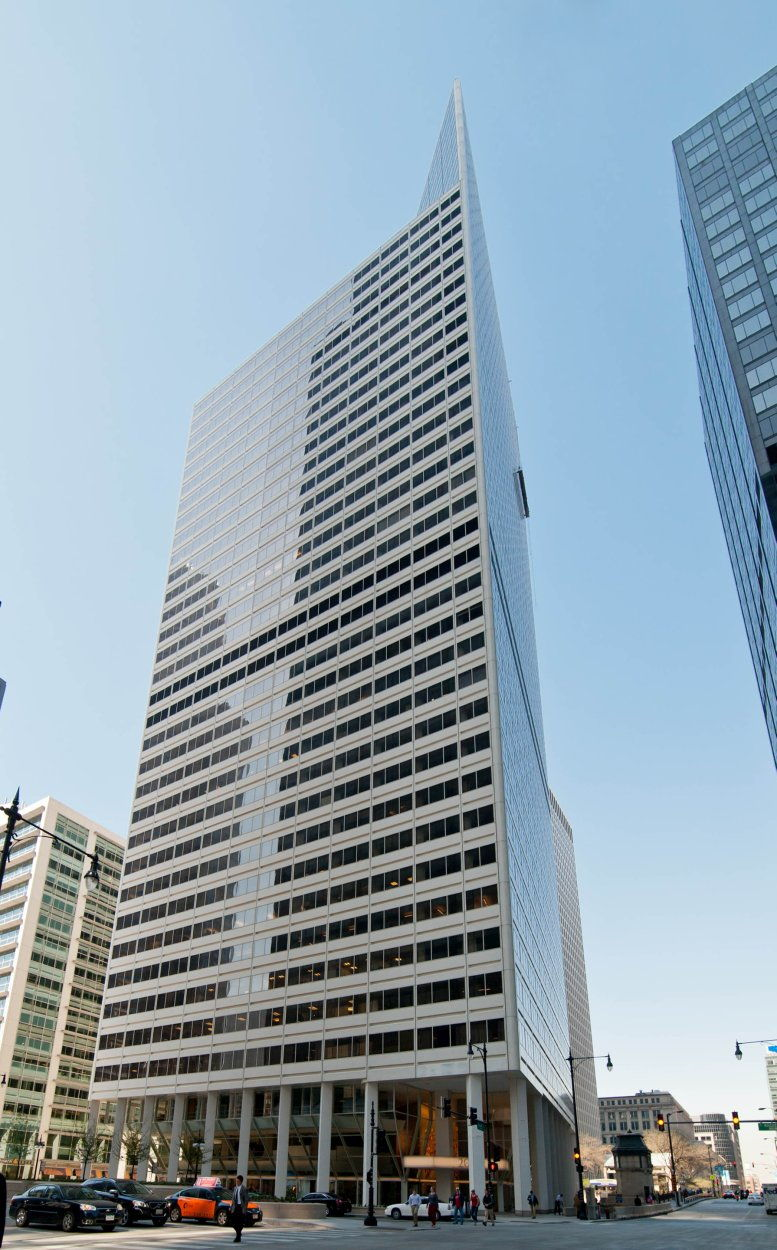 200 South Wacker Drive, Downtown Office Space - Chicago