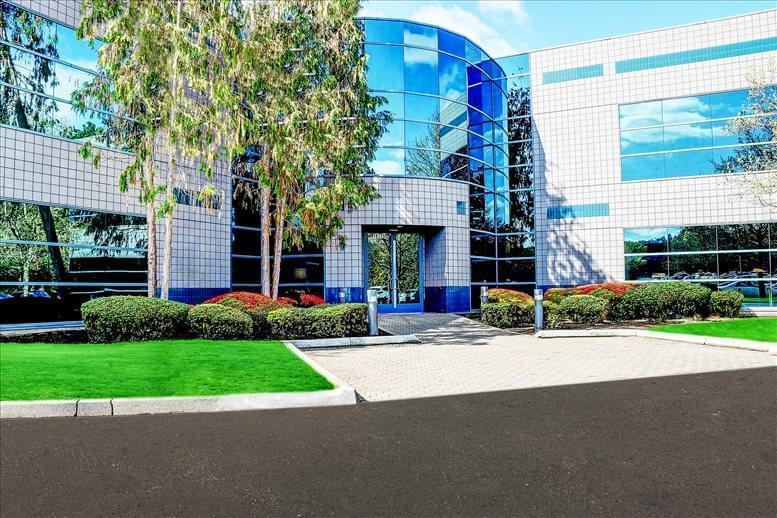 North Creek Office Center available for companies in Bothell