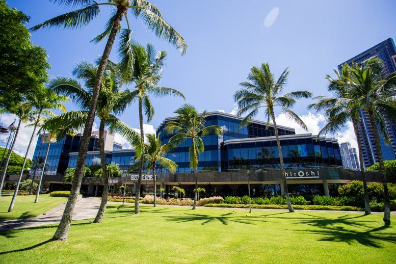 Waterfront Plaza available for companies in Honolulu