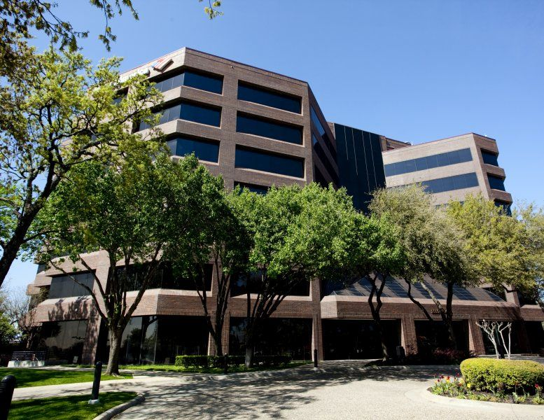 Bank of America Center Suite 600 available for companies in Arlington