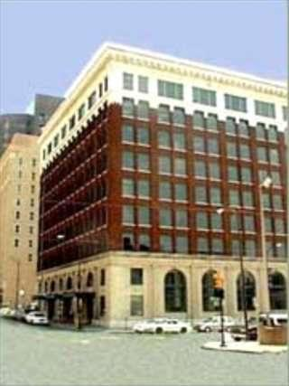 Beacon Building available for companies in Tulsa