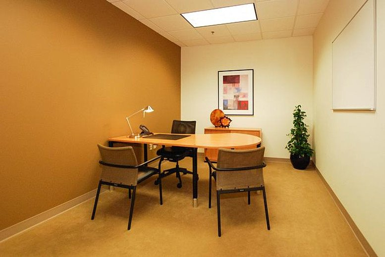 15720 Brixham Hill Ave Office Images