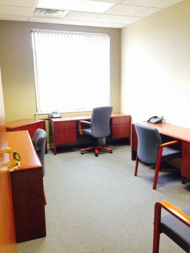 Office for Rent on 11427 Reed Hartman Hwy, Blue Ash Cincinnati