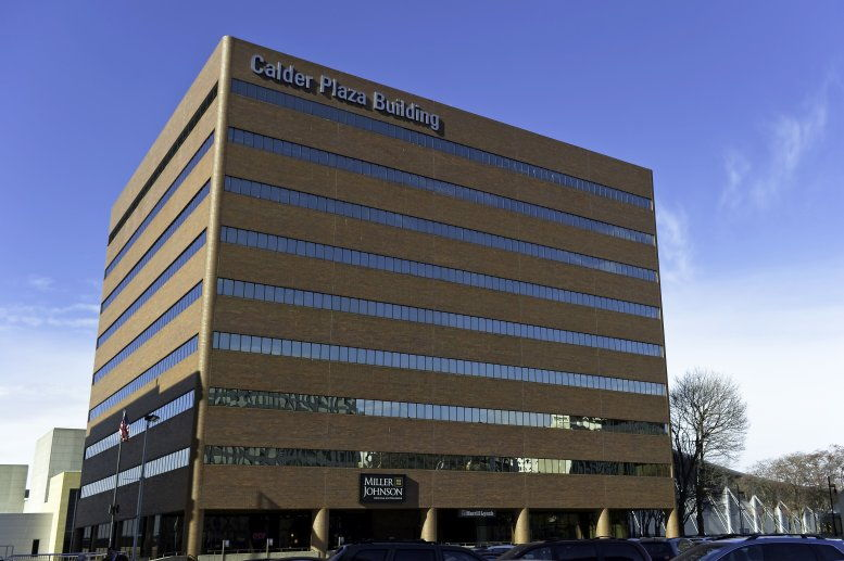Calder Plaza Building available for companies in Grand Rapids