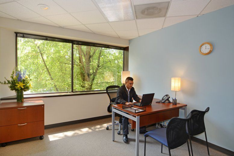 Photo of Office Space on 11820 Northup Way, Bridle Trails Bellevue