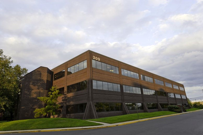 East Gate Corporate Center available for companies in Mt. Laurel