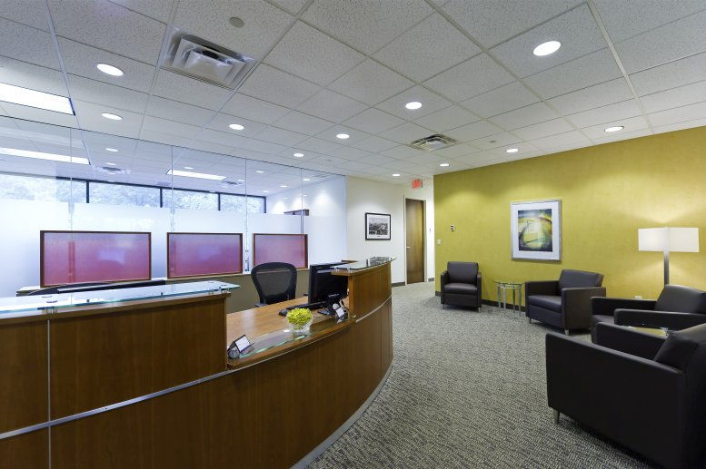 Photo of Office Space on 6100 Oak Tree Blvd Independence