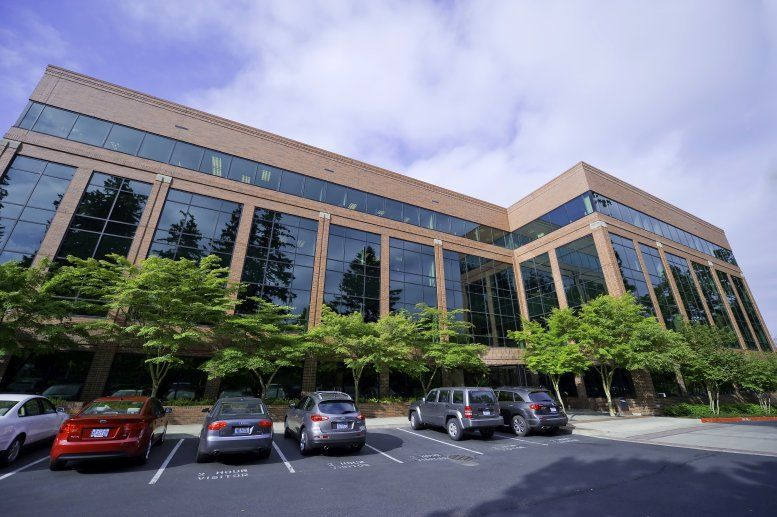 Kruse Center, 4800 Meadows Rd, Walluga Office Space - Lake Oswego
