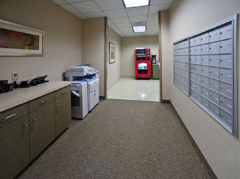 Office for Rent on Sterling Pointe, 303 Perimeter Center N, Dunwoody Atlanta