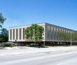 10024 Skokie Blvd available for companies in Skokie