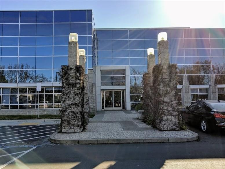 4695 Chabot Drive available for companies in Pleasanton