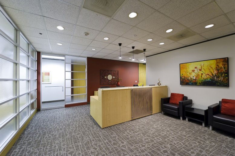 Photo of Office Space on Phoenix Tower, Greenway Plaza, 33rd Fl, 3200 Southwest Fwy Houston