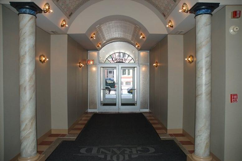 Photo of Office Space on 101 W Grand Ave, River North Chicago