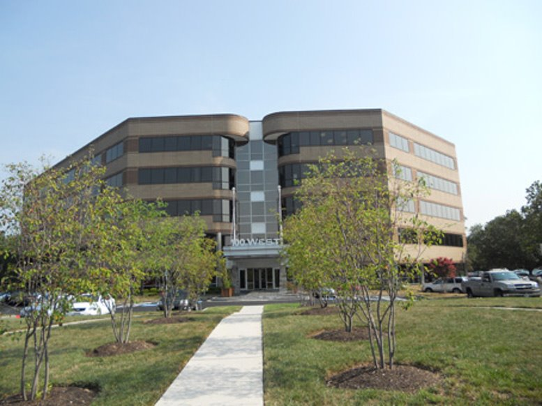 100 West Road available for companies in Towson