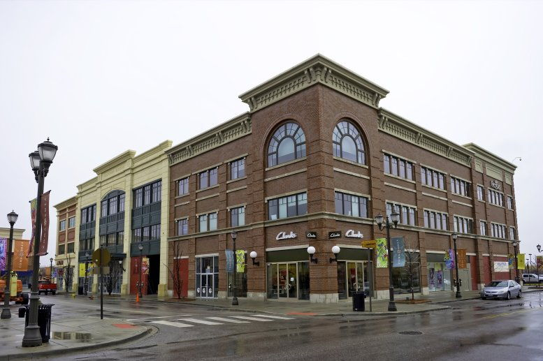 Zona Rosa Town Center, 7280 NW 87th Terrace Office Space - Kansas City