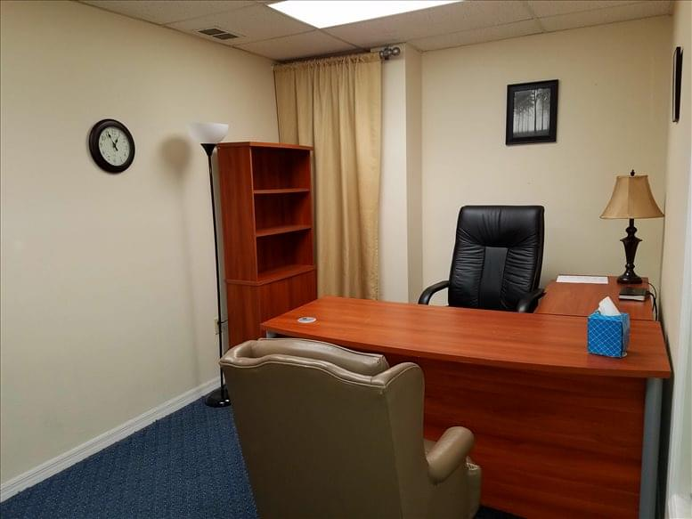 Picture of 2431 Aloma Ave Office Space available in Winter Park