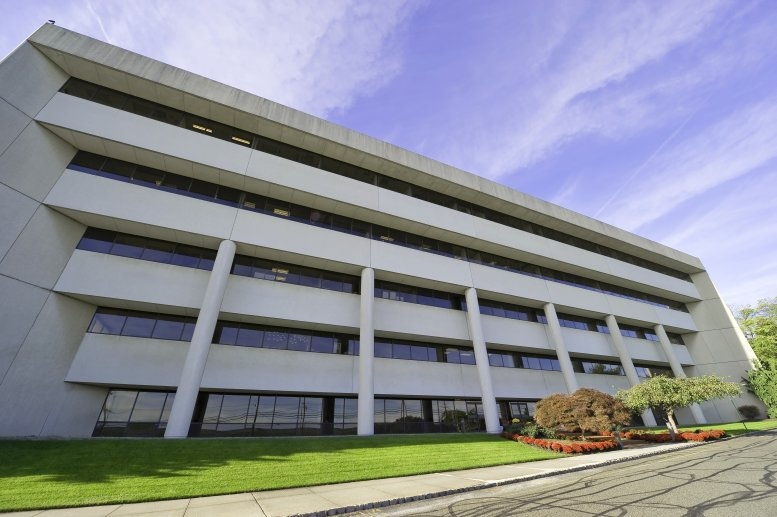 Waterview Plaza available for companies in Parsippany