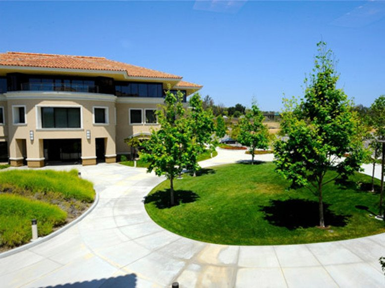 Photo of Office Space on 2945 Townsgate Road, Suite 200 Thousand Oaks