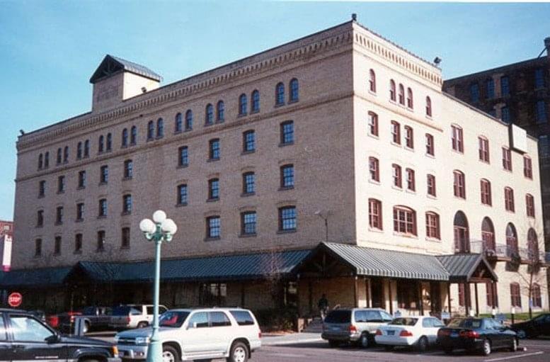 Union Plaza, 333 N Washington Ave, North Loop Office Space - Minneapolis