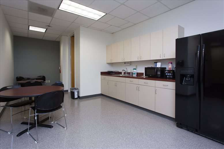 9800 4th St N Office Space - St Petersburg