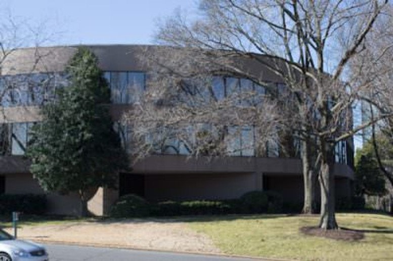 5865 Ridgeway Center Parkway, Suite 300 Office Space - Memphis
