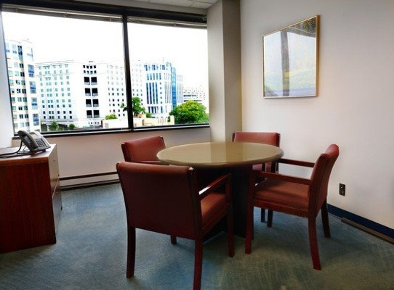 Picture of Colonial Place, 2111 Wilson Blvd Office Space available in Arlington