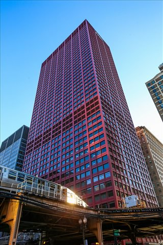 Photo of Office Space on CNA Center, 333 S Wabash Ave, Downtown Chicago
