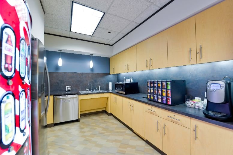 Office for Rent on River Oaks Tower, 3730 Kirby Dr, Greenway Upper Kirby Houston