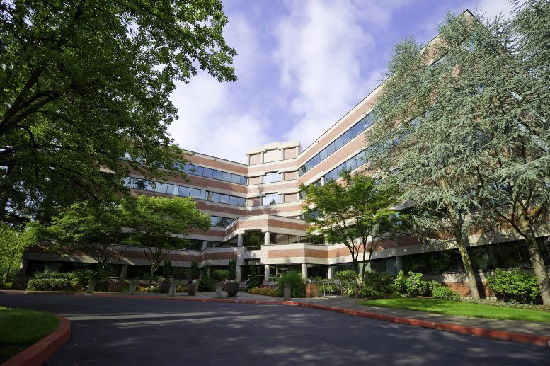 Five Centerpointe available for companies in Lake Oswego