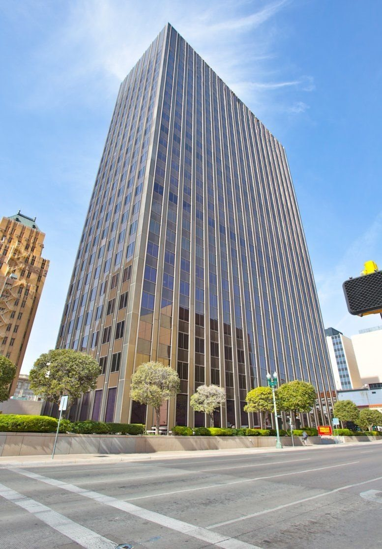 Wells Fargo Plaza available for companies in El Paso