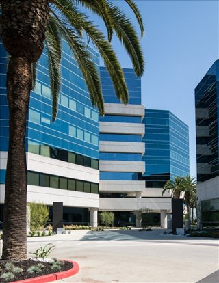 Photo of Office Space on 6 Centerpointe Dr La Palma
