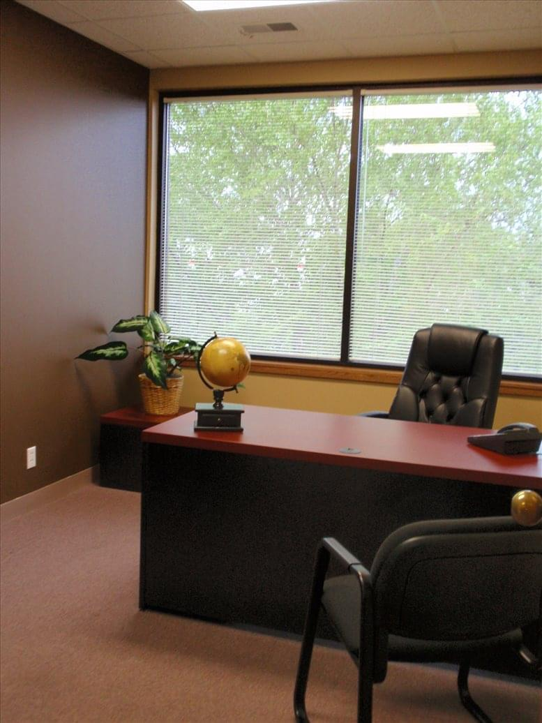 5000 Central Park Drive, Suite 204 Office Images
