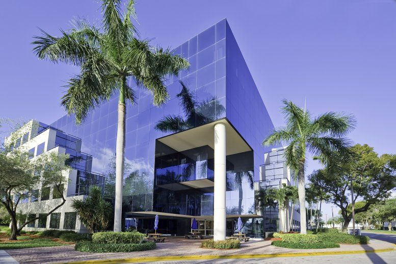 Aventura Corporate Center available for companies in Aventura