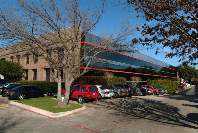 4004 Belt Line Rd available for companies in Addison