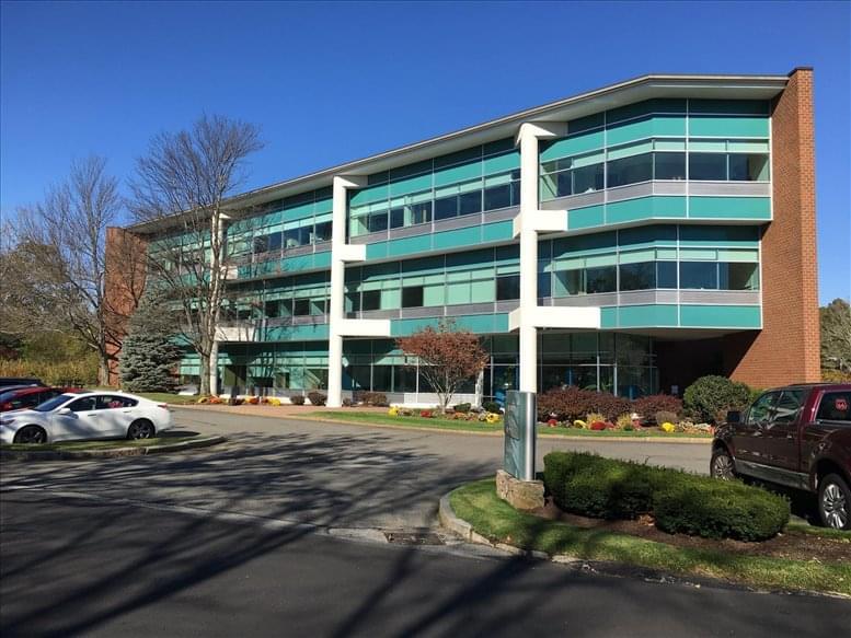 2 Burlington Woods Dr available for companies in Burlington