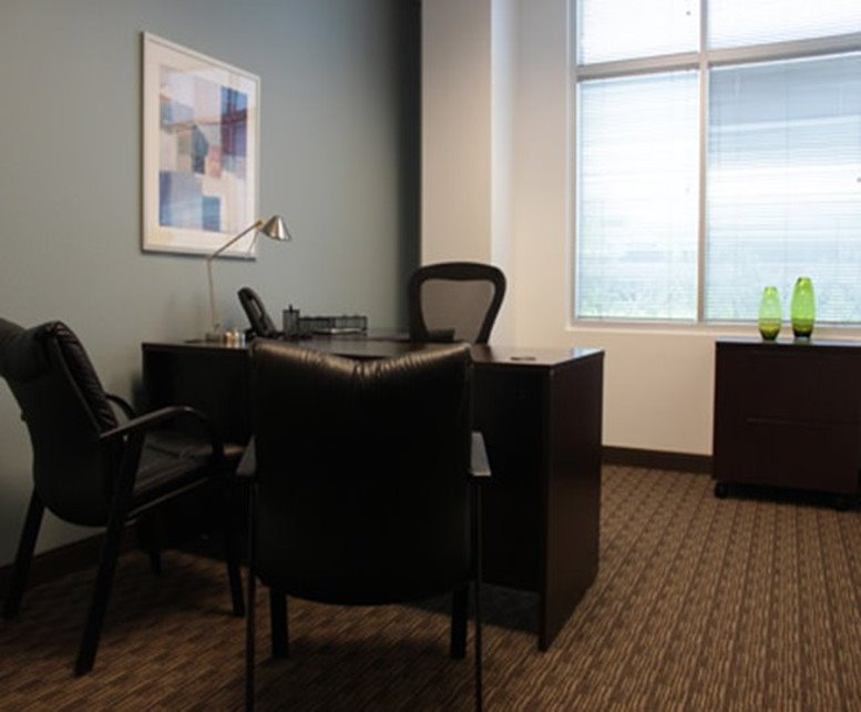 Photo of Office Space on Kierland Corporate Center, 7047 E Greenway Pkwy, Suite 250 Scottsdale