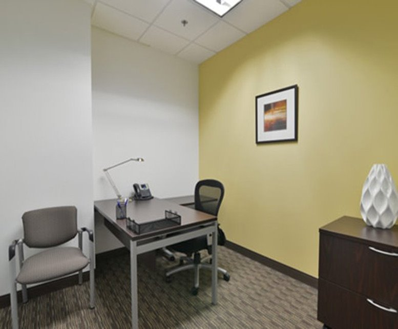 Century Link Tower, 20 E Thomas Rd, Midtown Office for Rent in Phoenix