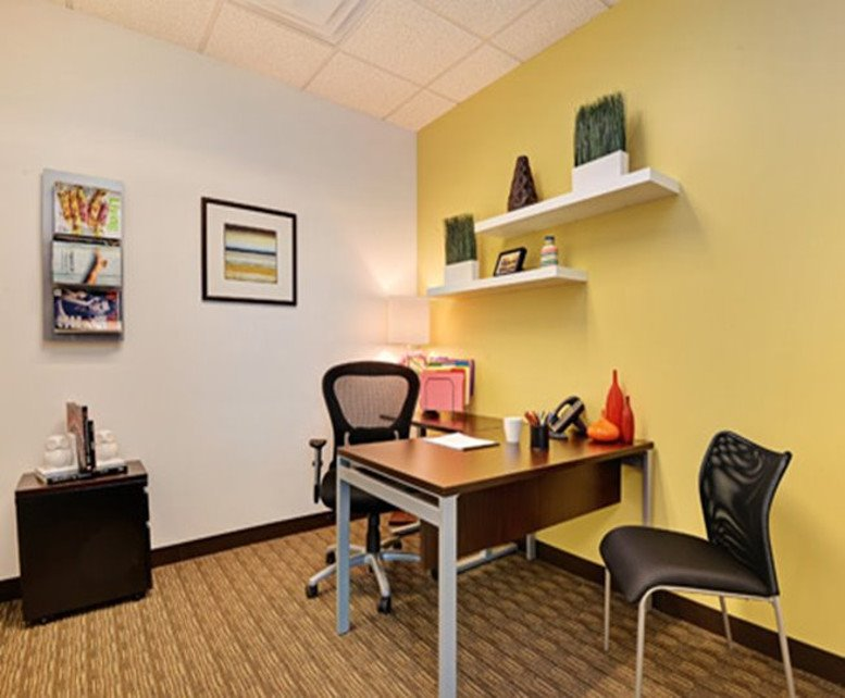 This is a photo of the office space available to rent on Union Hills Office Plaza, 2550 W Union Hills Dr