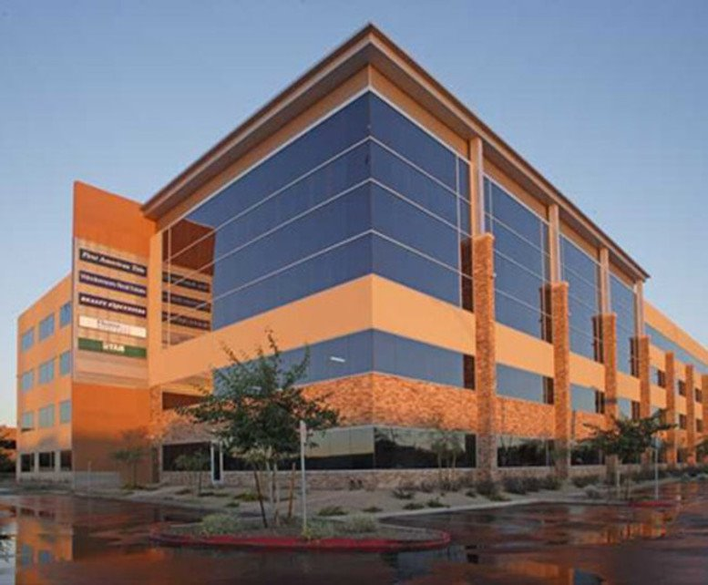 Desert Ridge Corporate Center available for companies in Phoenix