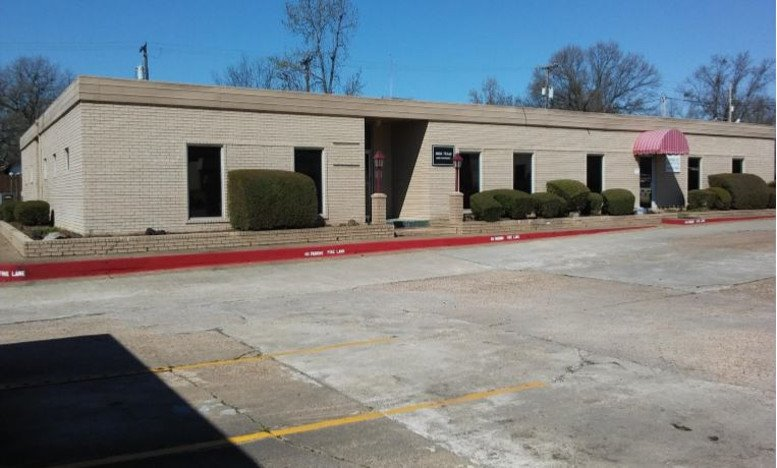2603 Texas Blvd available for companies in Texarkana