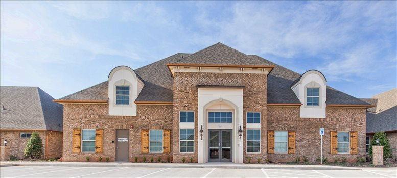 2524 North Broadway available for companies in Edmond