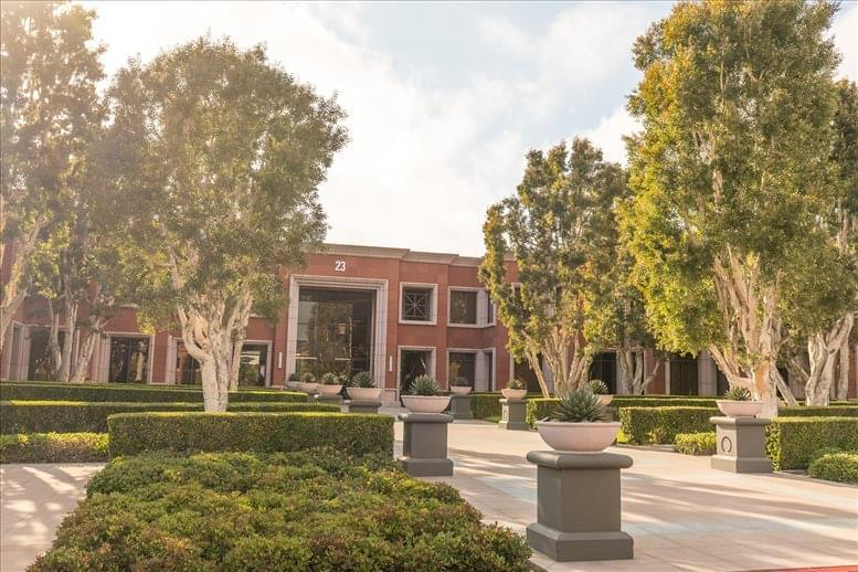 Corporate Plaza available for companies in Newport Beach