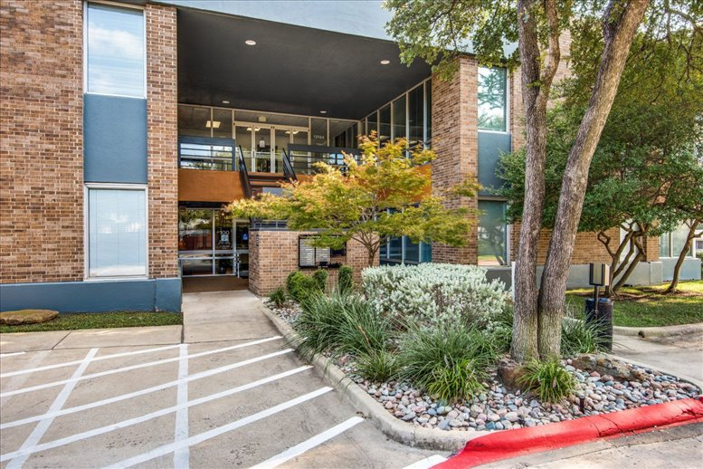 Cambridge Office Park available for companies in North Dallas
