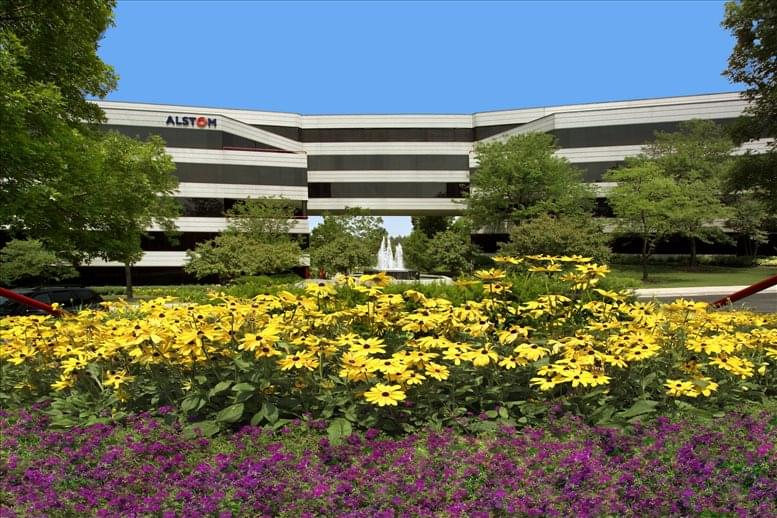 Corporetum Office Campus available for companies in Lisle