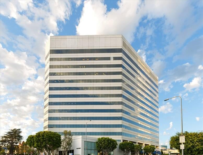 12121 Wilshire Blvd available for companies in Brentwood