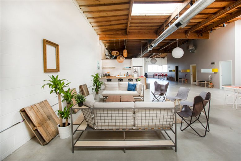 Photo of Office Space on 229 W 31st St Los Angeles