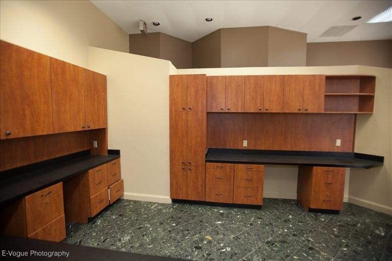 Office for Rent on Richmond Tower, 6430 Richmond Ave Houston