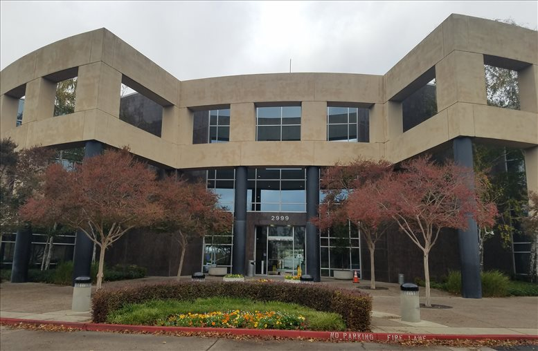 Douglas Corporate Center available for companies in Roseville