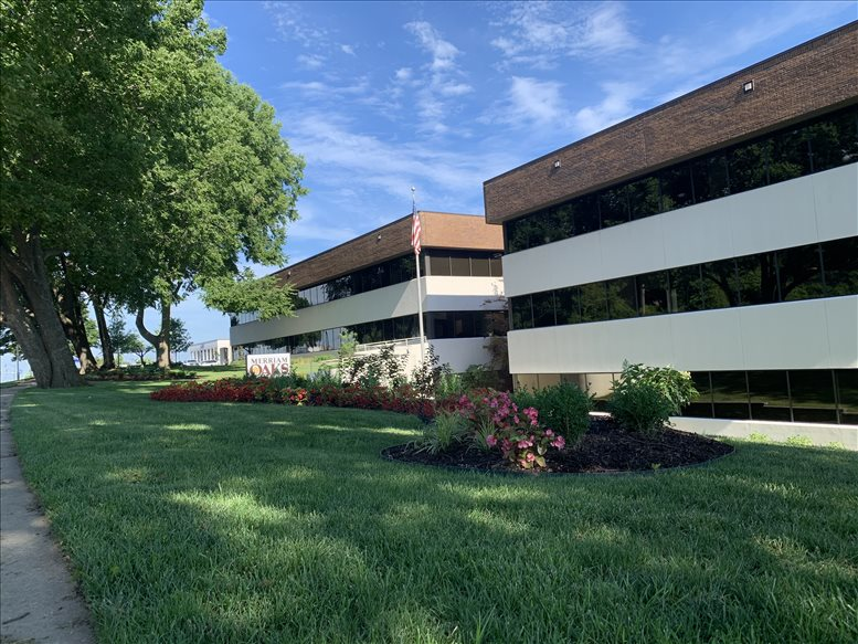 8500 Shawnee Mission Parkway available for companies in Mission